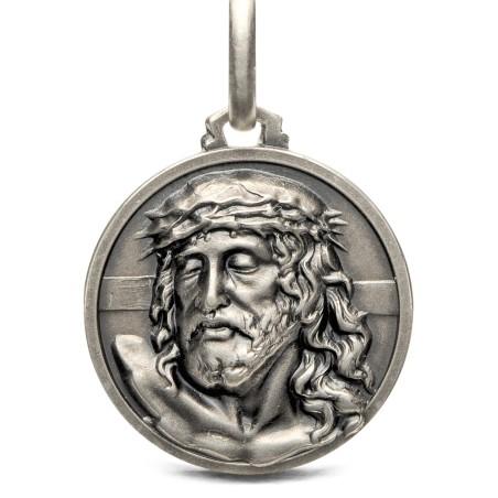 Medalik srebrny z Jezusem. 21mm 5,6g