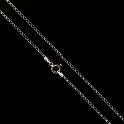 Delikatny łańcuszek ze srebra.   Długość 45 cm  srebrny łańcuszek   2.75 g
